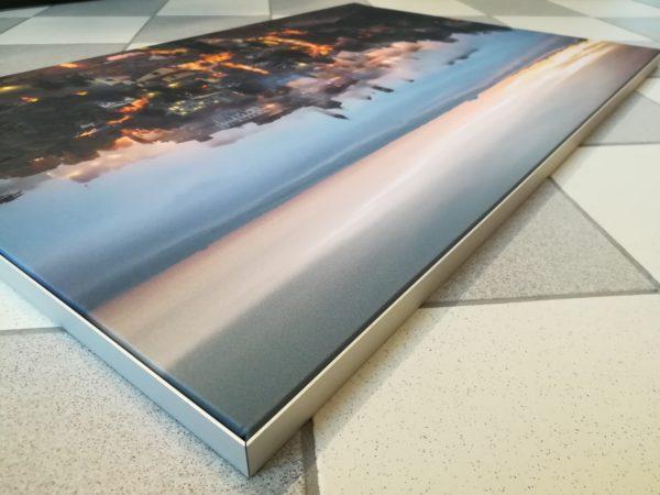 Textile frame autoportante; Textile frame; Media frame; Cornici alluminio personalizzate;
